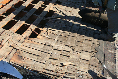 Bonita Springs Roofing - Old Wood Shingles (Photo courtesy of Flickr User MaryTClark)